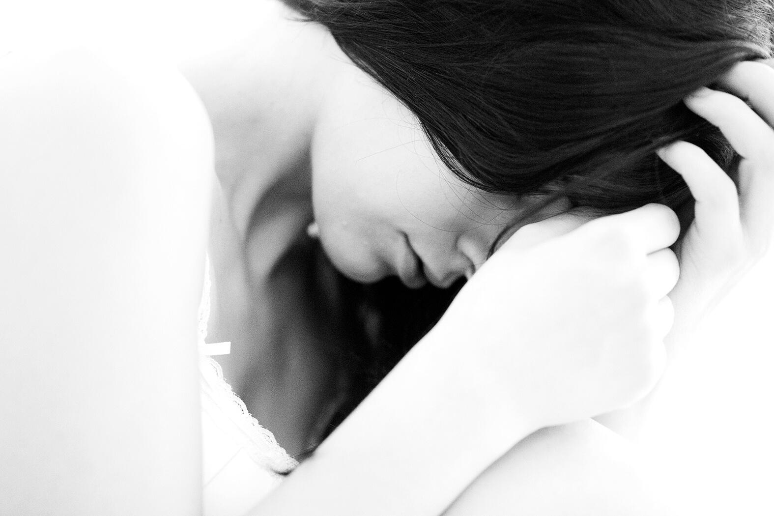 Teilakt, Rahn Photography, Desty, Model, schwarz weiß, sw, sinnlich, Sinnlichkeit, Rahn Photography, Teilakt,