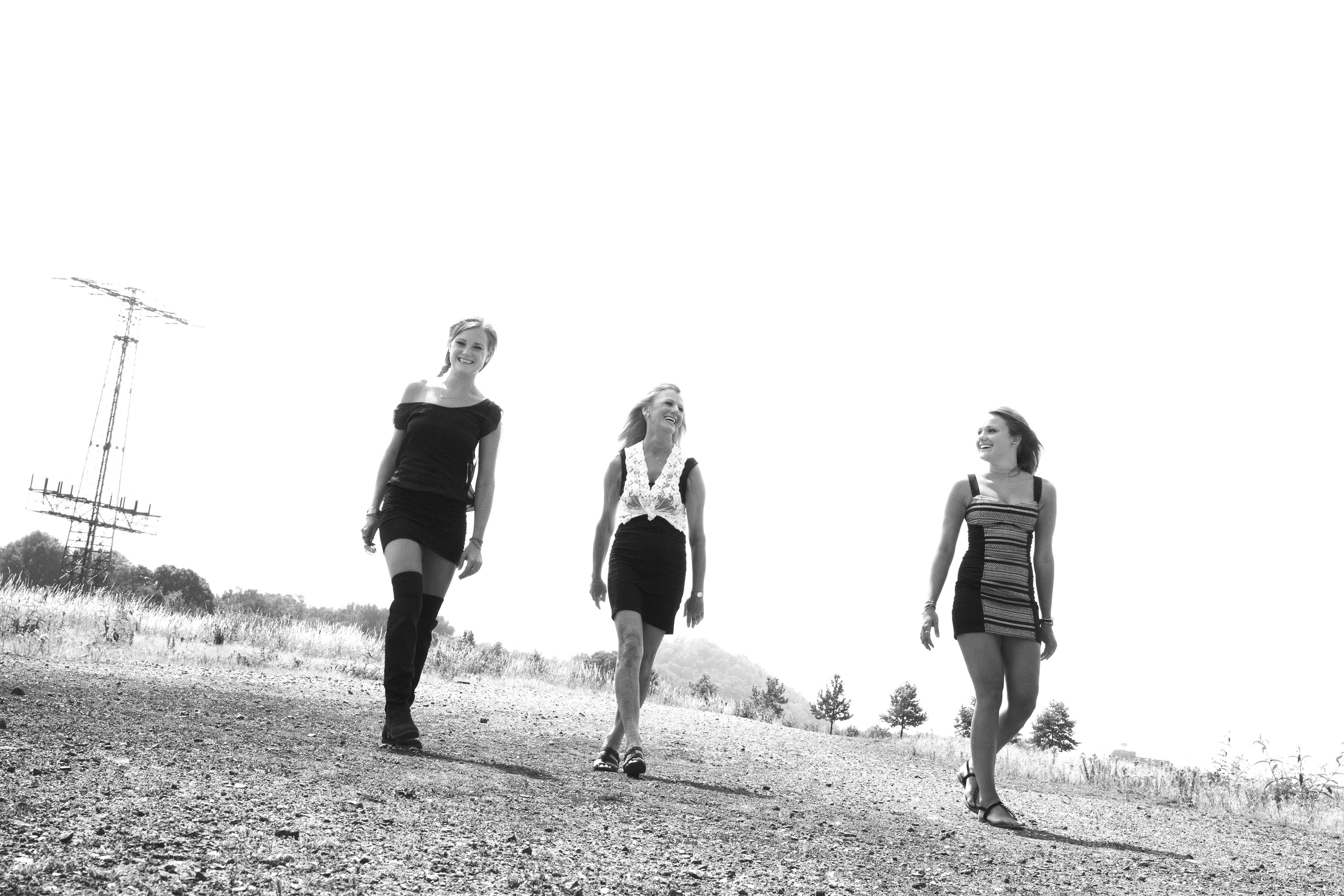 Janine Rahn, rahnphotography, schwarz weiß, Einöde, Landschaft, Industrielandschaft, Gleispark, schwarzweiß, rockig